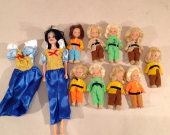Snow White Barbie with 7 Dwarves Dolls