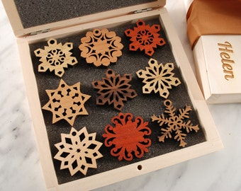 SET of MINI SNOWFLAKES - Wooden Gift Box, Ready to Gift, Solid Wood Snowflake Ornament, for Christmas, Christmas gift, Housewarming gift,