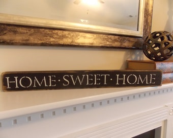 """Distressed Wood """"HOME SWEET HOME"""" Sign"""