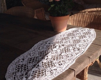 Stunning antique french oval crochet table decoration runner doily