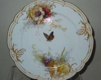 12 Porcelain Hand Painted German KPM Plates Floral and Butterfly Decoration Gold Embellished Königliche Porzellan-Manufaktur