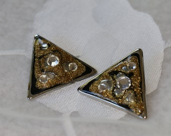 Fun and Funky Vintage Triangle Clip On Earrings