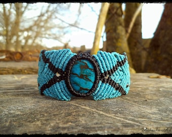 Macrame bracelet/upper arm band with river stone