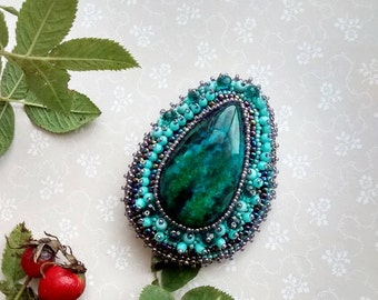 Boho style brooch Bead embroidered brooch Statement brooch Green gemstone brooch Chrysocolla pin Teardrop brooch Turquoise lilac pin