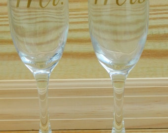 """SET of """"Mrs"""" and """"Mr"""" Toasting Flutes - perfect wedding gift, bridal shower, engagement gift, couples gift Lucky"""