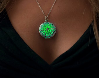 Green Glow in the Dark Necklace - Glowing Jewelry - Green Glowing Necklace - Glow Necklace - Gifts for Her - Holidays Jewelry