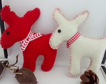Felt Moose / Christmas Moose Ornament/ Primitive Moose Ornament / Christmas Felt Ornament / Handmade