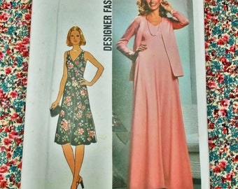 "Simplicity  Sewing Pattern - 1976  - woman's dress - size 14  bust 36""  - MPN 7793 - used - please see notes"