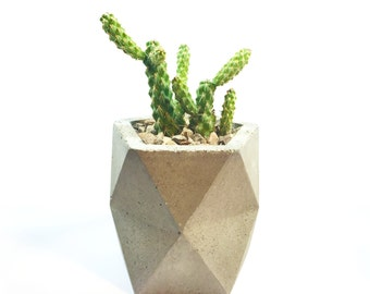 Concrete Planter (with or without drainage holes)
