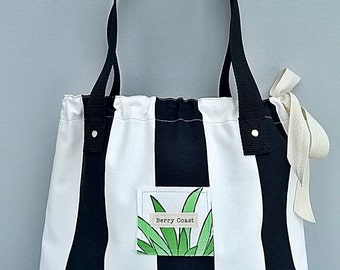 SOLD OUT!!!!        Summer Tote, Bare essential