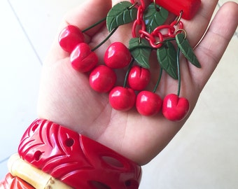 Reproduction of Large Bakelite CHERRIES brooch pin carved - Fakelite - 1940s - Iconic Brooch