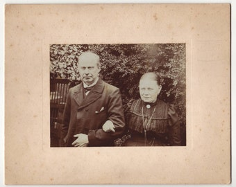 Edwardian elderly couple  - Antique mounted photograph, steampunk photo, Belgium ca 1900 - Collectible vintage picture (B296)