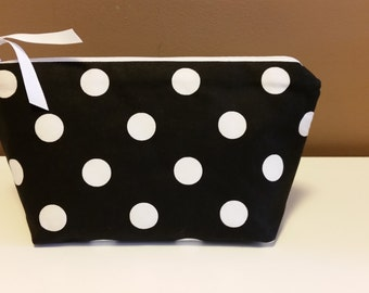 Cosmetic bag, black/white polka dot