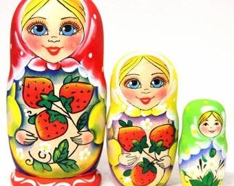 Nesting doll Strawberry