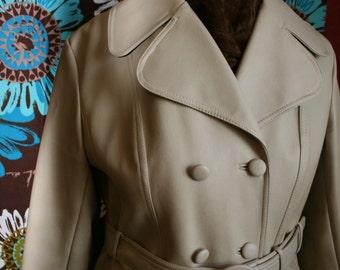 Coat Winter Vintage SANRO MELBOURNE PVC Cream 1960's TrenchCoat with Belt Size 18AU