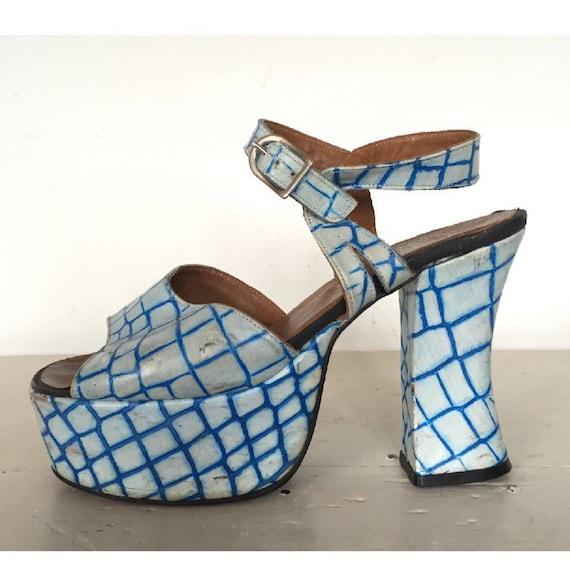 vintage 60s 70s psychedelic platform sandals open toe slip on