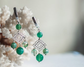 Green chandelier earrings, Green agate earrings, Light green earrings, Filigree chandelier earrings, Filigree earrings