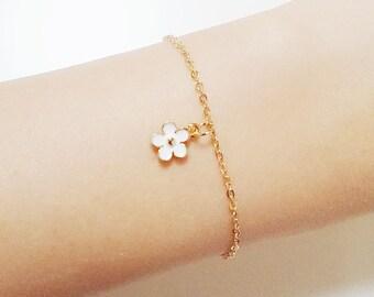 Friendship bracelet, gold bracelet, everyday bracelet, flower bracelet, gift ideas, birthday gift, gold chain flower bracelet