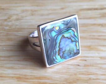 Vintage Sterling Silver and Abolone Shell Boho Beach Ladies Ring~ Size 5