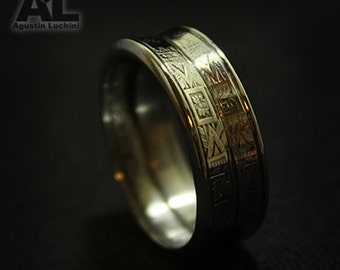 Ring made with coins from different countries. Anillo con monedas