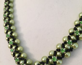 Peridot-light green pearls / Stylish handmade beaded V- necklace/Sparkling green montees/ Contrastive black seed beads / FREE EARRINGS
