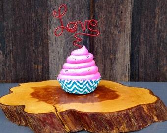 Custom Cupcake Picks, Wire Love Wedding Cupcake Topper, Cupcake Decoration, Bridal Shower Decor, Party Decorating ideas, Love Cupcake topper