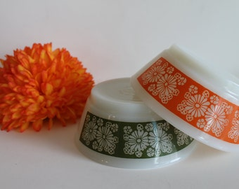 Set of 2 Fire King Anchor Hocking Orange and Green Daisy Cereal Bowls