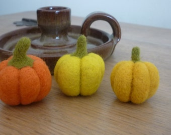 Small needle felted pumpkins Halloween Autumn Fall party rustic decoration set of 3
