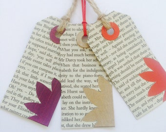 Book page gift tags