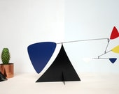 Standing mobile/Stabile blue red and yellow in metal inspired by the work of CALDER