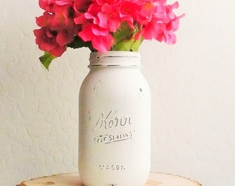 Quart Painted Mason Jar / Ivory Mason jar / Country Chic Decor / Wedding Centerpiece / Rustic Home Decor / Vase