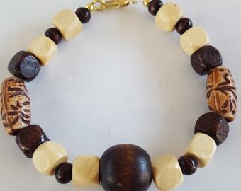 Light and dark wooden bead bracelet