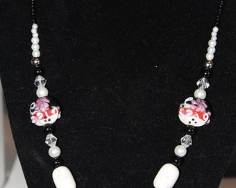 Black and White Glass Beaded Necklace