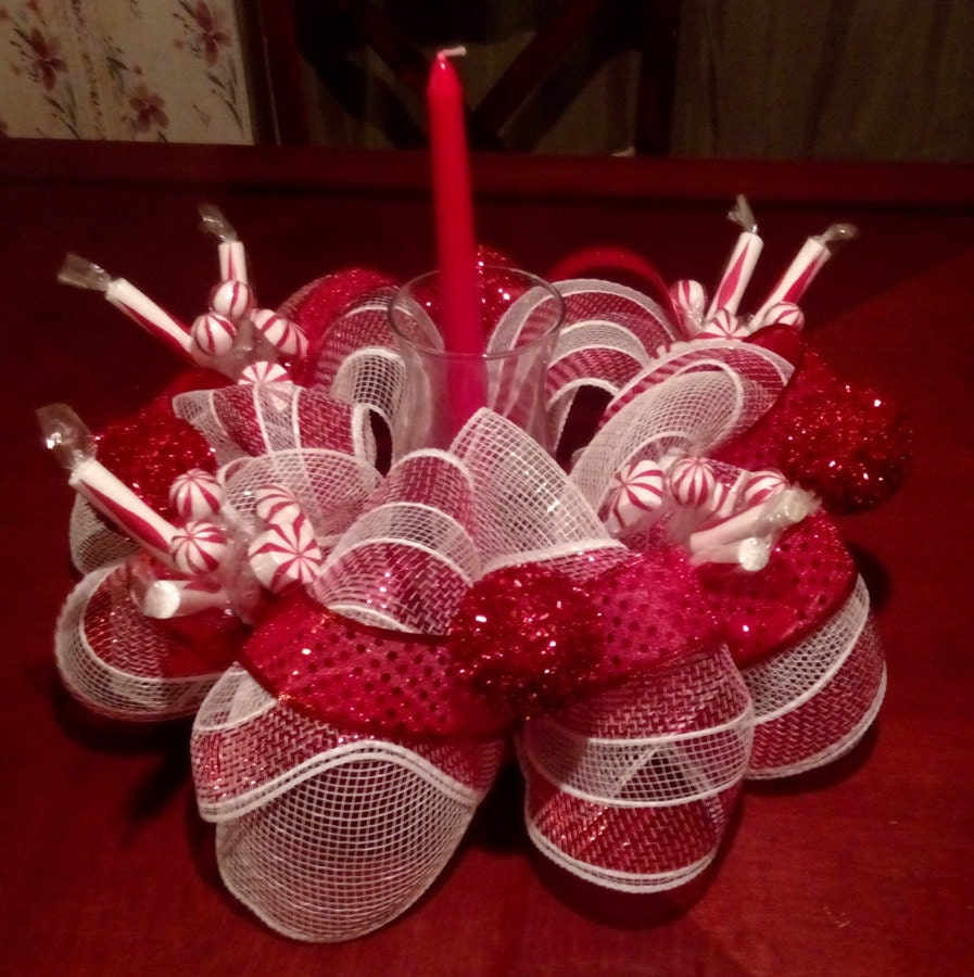 Christmas centerpiece red white by handmadegiftsbyblue