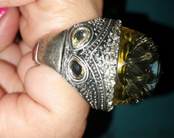 HOLIDAY SALE! Price REDUCED! 20% Off! Stretchy Large Silver toned Costume Ring with Rose and Clear Rhinstones, Size 7