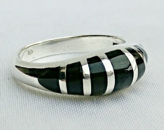 Sterling silver onyx ring,silver onyx ring,vintage onyx ring,sterling silver ring, small onyx ring,large silver ring,statement ring,jewelry