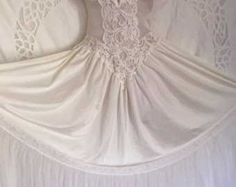 Vintage 80's Breathtaking Bridal Trousseau Nightgown by Andrea Kristoff for Escante