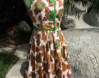 Vintage Sleeveless Floral Dress/Beige and Green/A-Line Pleated shape/Large Buttons and Snaps