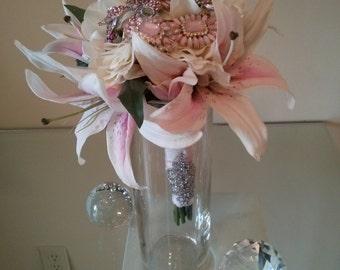 Star Gazer Lily Brooch Bouquet