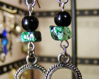 Green and black glass beaded earring