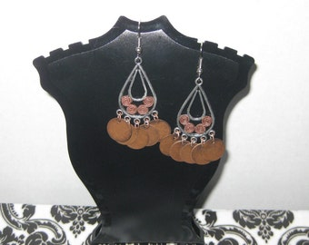 Plated Silver Teardrop Shaped Earrings with Copper Metal Discs (Costume Jewelry) (E-17)