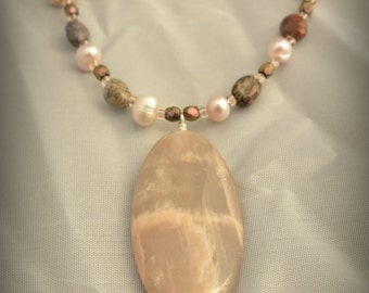 Pale Earth Necklace