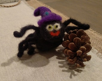 Wool Spider, Halloween, Wool Felted Spider with Witch Hat, needle felting