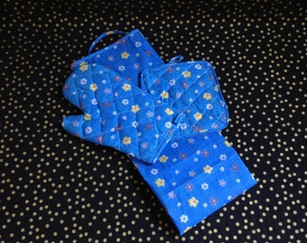 Blue Bell BBQ~Blue Flower Apron, Oven Mitt and Hot Pad~Three Piece Set~Vintage~Unused~Garden Party Apron