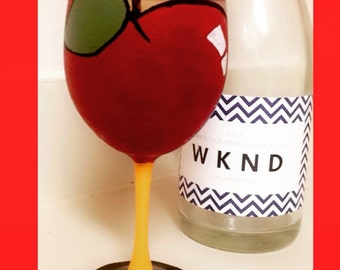 I teach, therefore I drink! - Personalized Teacher Wine Glass
