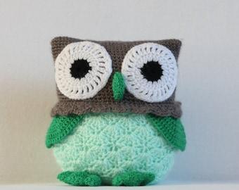 Hug Owl (Green/Pink)