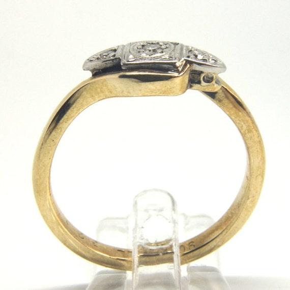 Ring mit stein dreht sich