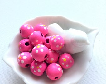 15 Hot Pink Wood Bead, 14 mm Flattened Round, Hand painted, Daisy, Natural Wood, Eco Friendly, Non Toxic, Bead Supplies