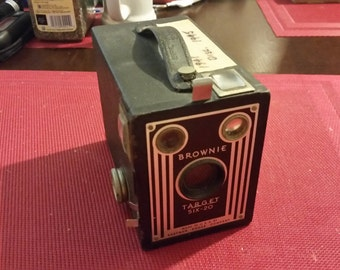 Vintage Kodak Camera.   Brownie