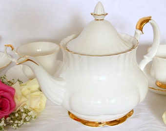 Royal Albert Val d'Or Teaset with Teapot and six Teacups and Saucers, Teaset with Teapot gift for her